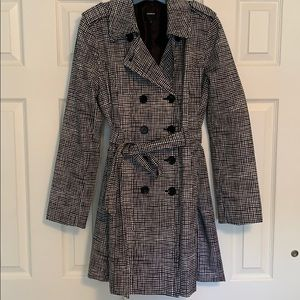 ✨PRICE DROP✨ EXPRESS Trench Coat - size L